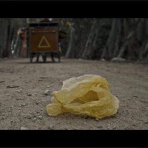 """El Triangulista estrena """"Plàstic"""", un imaginatiu vídeo sobre la contaminació ambiental"""